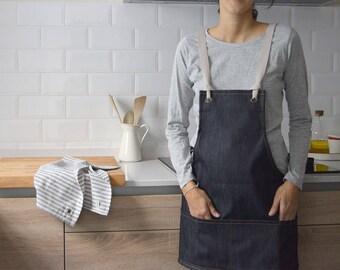 DENIM SHORT APRON. Multiple pockets. Unique size. Denim cross back apron with cotton straps for florists, gardeners, tenders,...