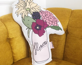 Pillow can of flowers