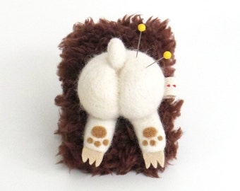 Animal Pincushion : wearable wrist pin cushion, needle felted bear butt - white with dark brown strap, funny Christmas gift