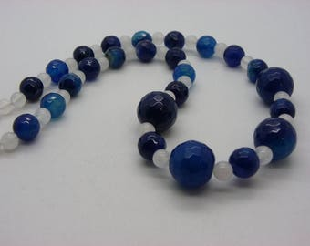 jade 14 mm, 12 mm blue and white necklace