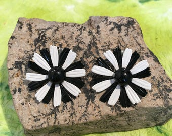 Flower Power Daisy Clip Earrings
