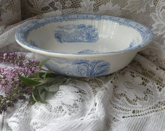 Small vintage bowl with blue and white transferware pattern, earthenware bowl, ironstone bowl, pot pourri bowl, fruit bowl, country home