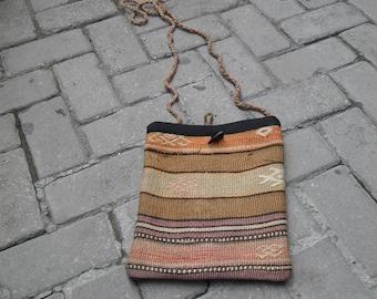 baby kilim bag, turkish handmade kilim bag,vintage rug, turkish rug,shoulder bag kilim,decor bag,accent rug,craft supplies,cm 25x31