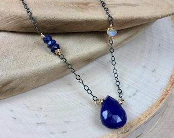 Minimalist Boho Necklace - Dainty Lapis Lazuli and Moonstone Necklace