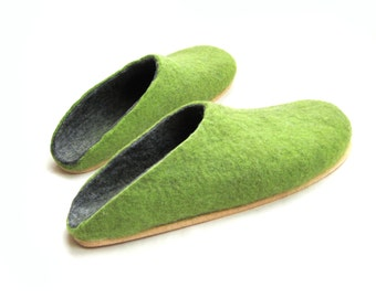 Best Gift Wool felt Clogs Cork soles Christmas Gift, Felted wool slippers Unisex shoes, Green Grey Gray Slippers shoes Women Wet Felted