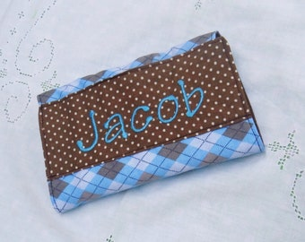Personalized crayon wallet with paper and Crayola crayons