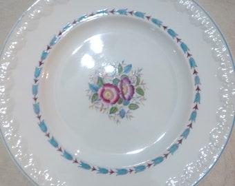 Wedgwood Evenlode Pattern Corinthian Dinner Plate