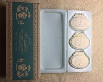 Avon Soap Gift Set Vintage Cherub