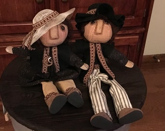 Crafts,wood body couple, sold as a pair
