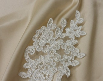 Ivory Lace applique, Ivory lace, French Chantilly lace applique, 3D lace, bridal applique, Applique M0002