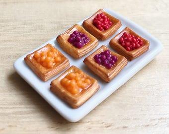 Miniature Bread on ceramic tray,Miniature Bakery,Miniature Sweet,Miniature Bread,Miniature Strawberry,Miniature Fruit,Dollhouse Food