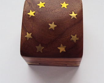 Tiny box for secret messages, gifts of jewelry  or tiny treasures - stars