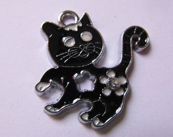 black and white cat 25mmx25mm squares pendant