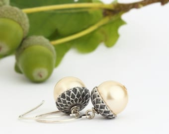 Mothers Day Gift - Botanical Jewelry - Pearl Nature Earrings - Acorn Earrings - Botanical Jewelry - Woodland Wedding Earrings - Gift For Her