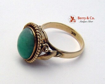 SaLe! sALe! Vintage 18K Yellow Gold Jade Ring