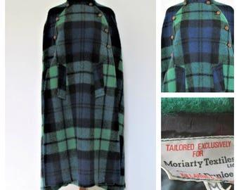 1970s Vintage Moriarty Textiles Gap of Dunloe Green Plaid Cape Women's size medium