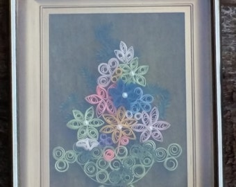 Small framed quilled picture