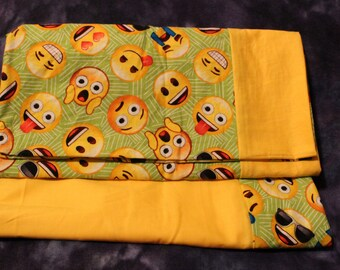 2 PC GRADE B yellow / green EMOJI pillowcase set - minor seem flaw