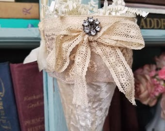 Decorative cone, tussie mussie