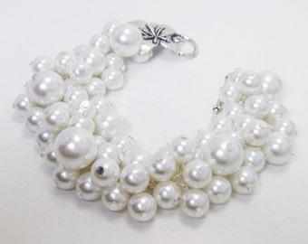 Pearl Bracelet, Cluster Bracelet, White Pearl Cluster Bracelet, Bridal Pearl Jewelry, Chunky Bracelet, White Wedding Jewelry,Pearl Jewelry