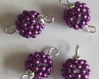 4 beads seed connectors (2mm) metallic magenta