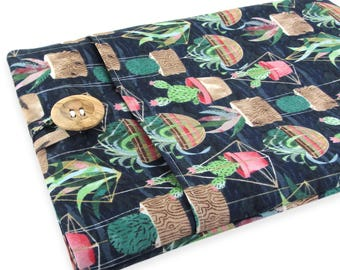 """Women's Laptop Sleeve 15.6"""" - Custom Sized To Your 15 Inch Laptop - Padded With Pocket, Cactus Succulent Fabric"""