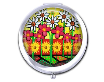 Flower pocket mirror, daisy compact mirror, floral bridesmaid gift for her, mothers day gift,  purse mirror.