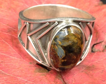 Pietersite in a large and original silver ring.