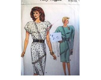 Vogue Dress Pattern 9832 - Uncut - Vintage