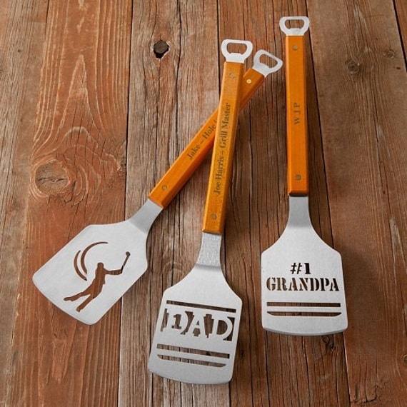 For all those grill-head dads, these personalized BBQ spatulas are the perfect flipping gift for Father's Day!