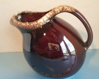 Hull ovenproof USA pottery pitcher
