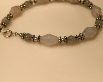 Blue labradorite and White Stone Bracelet