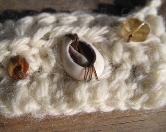 Crochet Necklace Cream Sheep Wool w/ Cowry Shell, Citrine & Agate Tribal Woodland Goddess