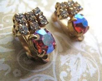 Boucles d'oreilles vintage surpinces avec pierres du rhin // Vintage earrings  with rhinestones