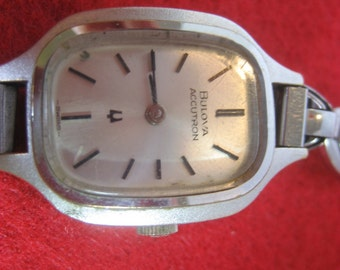 Vintage BULOVA ACCUTRON Ladies Tuning Fork Wrist Watch
