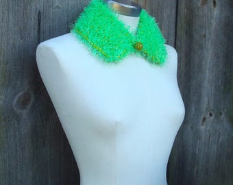 Hand Knitted Collar; Bright Green Peter Pan Collar; Neon Green & Yellow Green Collar; Vivid Wool Blend Fringe Yarn Collar with Wooden Pellet