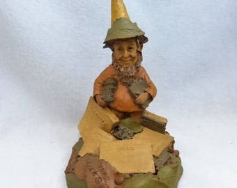 Vintage Cairn Studio Tom Clark Woodspirit Pedro with Cairn News