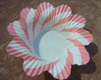 6 Vintage Scalloped Frilly Paper Baking Cups Nut Cups Party Favor Cupcake Paper Craft Supply Lot (#1379)