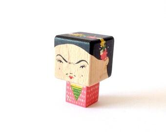 "Magnet  figurine cubique ""Frida"""