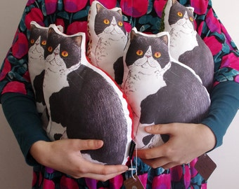 SALE Panko the cat illustrated small body cushion pillow