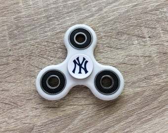 Tri Hand Spinner Fidget Spinner Toy w/ New York Yankees