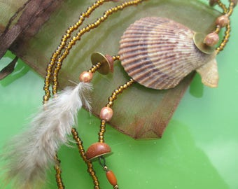 """the style """"handmade"""" with shell and feather, Bohemian, Indian, seashell beads, ethnic, women gift, handmade, nature"""