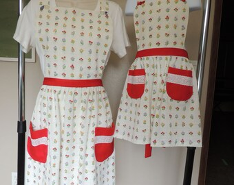 Mommy-and-Me/Grandma-and-me apron set