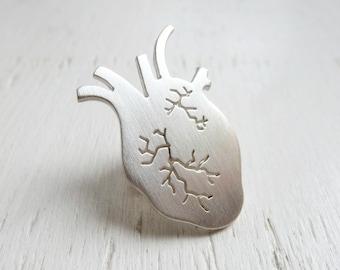 Sterling silver lapel pin – Heart pattern