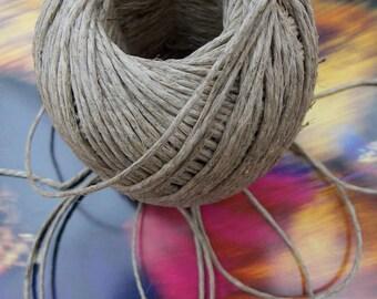 Smooth natural linen thread