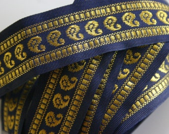 Paisleys in a row  -  Bollywood Trim with golden paisleys in black/navy blue (1 meter)
