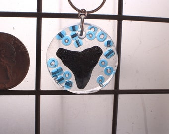 Resin SW FL Round Shark Tooth Fossil & Bead Pendant Necklace