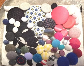 Mixed lot of fabric covered buttons