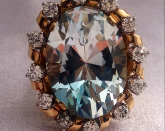 Vintage 1970s Aquamarine and Diamond Ring