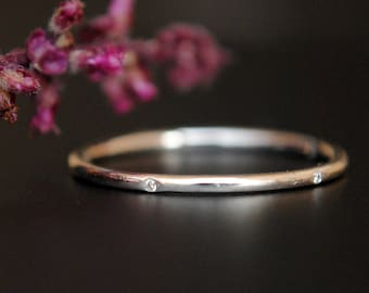 5 Diamond Eternity Ring. 1mm Flush Set Diamond 14K Solid Gold Thin Wedding Band. Skinny Stacking Ring. Simple Gold Ring. Mid, Knuckle Ring